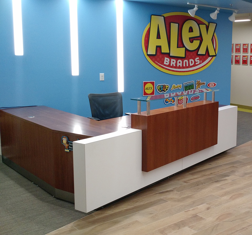 Kubist Reception Desk | Arnold Contract