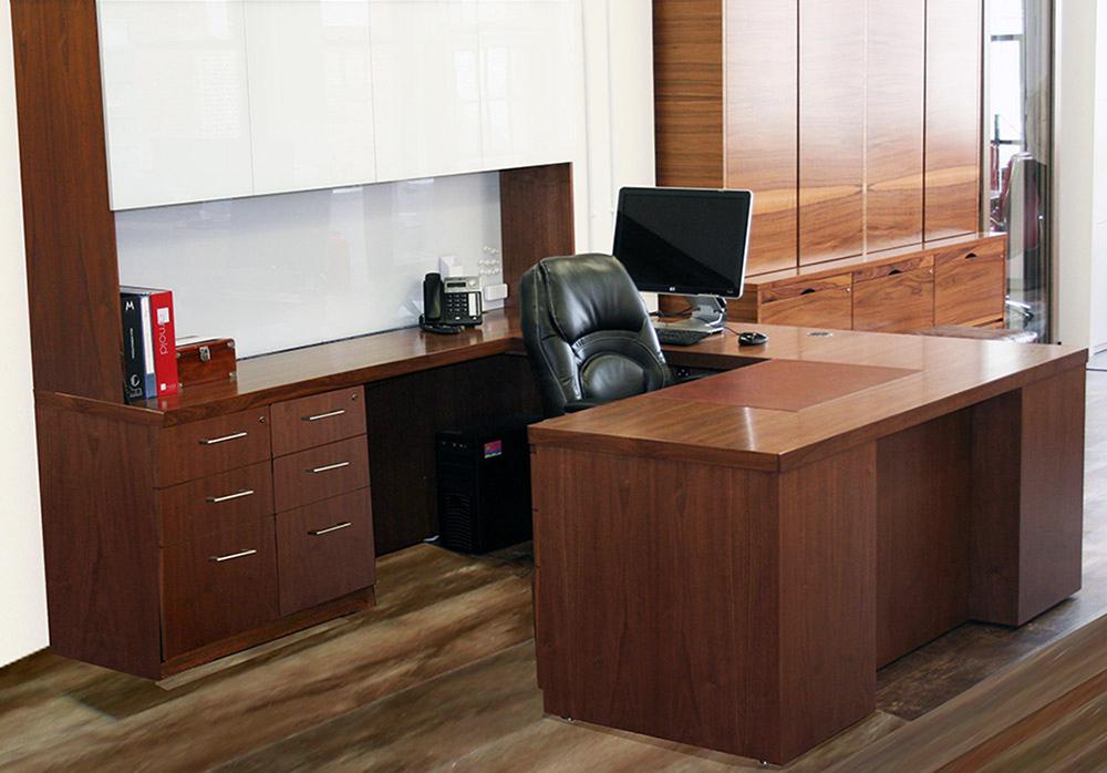Nova Desk Arnold Contract