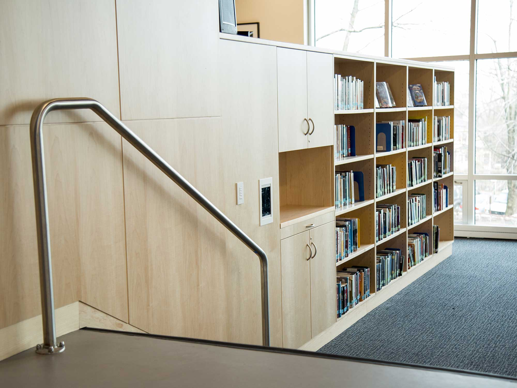 Built-in library shelves