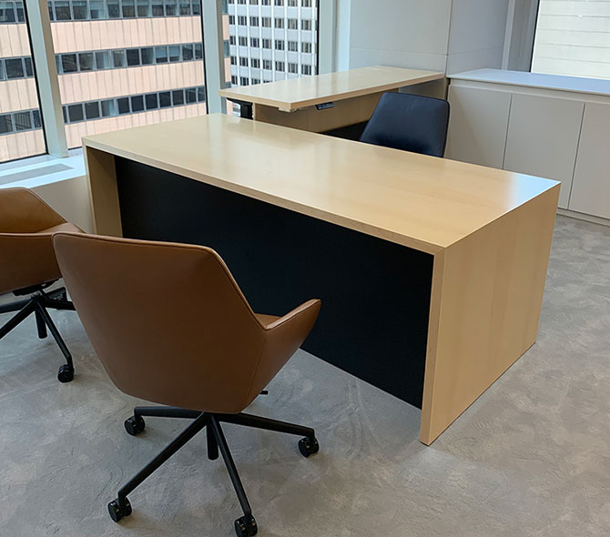 Kubist Desk Installations
